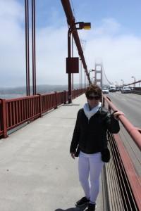Monique op de Golden Gate Bridge